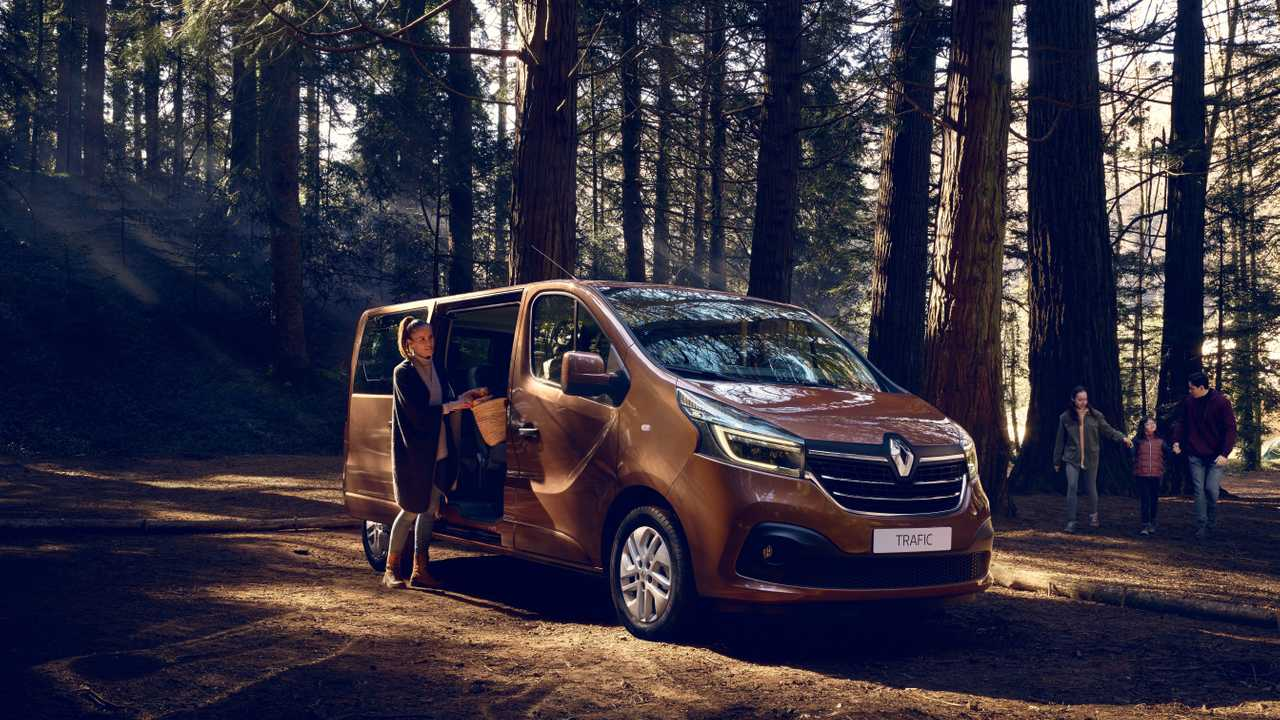 Rent Renault Trafic Automaat  (long) - 2